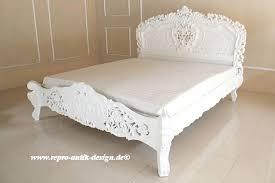mobiliar interieur bett royal königlich antik schlafzimmer