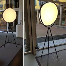 Archie Photographic Tripod Floor Lamp by Flos Superloon Quot Modern Tripod Floor Lamp Led White Black