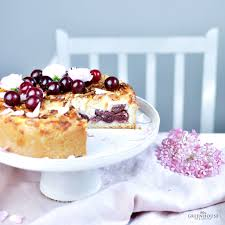kirschkuchen mit pudding und mandelsplitter rezept