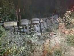 Two Dead, Six Injured In Log Truck Accident Near Margate | South ... One Dead After Log Truck Crash In Brooks County News Wtxlcom Clackamas Sheriff On Twitter Vs Log Truck Crash Redland Vwvortexcom The Wacky Traffic Accident Pic Post Fife Street Reopens Spilled Load Tribune Pickup Driver Uninjured In Incredible With Logging 82813 Sierra Prospect Woman Crashes Into Weathersfield Vermont Standard Video Semitruck Loses Control Crashes Into Gas Station Cajon Rollover Northway Reduces Traffic To One Lane Local Severely Hurt 2 Logging Trucks Washington Saline River Chronicle Turnover Highway 160
