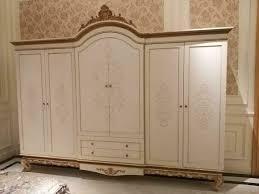 kleiderschrank schlafzimmer holz schrank antik stil barock rokoko schränke luxus