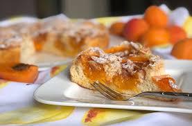 rezept aprikosen eierlikörkuchen mit mandel karamell kruste lowcarb