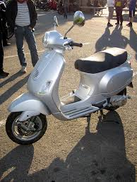 FilePiaggio Vespa LX125 2006 2JPG