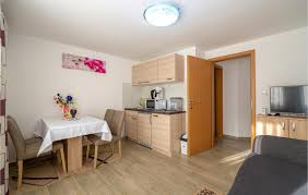 home apartment 4 persons novigradska zadar crna punta 23450 krusevo