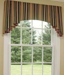 Country Curtains Greenville Delaware by Shaped Valance With Banding And Contrast Lined Jabots Cathy U0027s