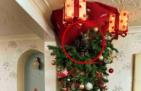 They Hung Their Christmas Tree Upside Down For Kitten S Sake Decorated