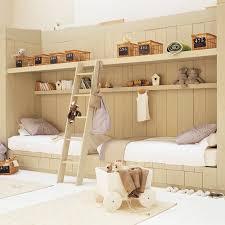 etagere chambre d enfant une chambre d enfant en bois