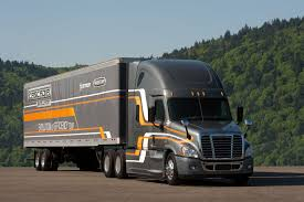 100 Cascadia Trucks Freightliner Unveils The Evolution Powered By