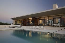 100 Architects Southampton Luxurious House On The Shore From Alexander Gorlin