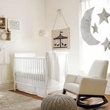 accessoire chambre bébé image sur literie de bebe flèche grise et blanche 83 literie de