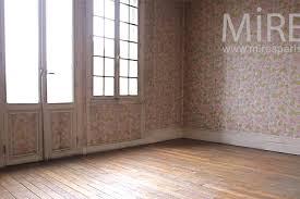 vide chambre dans la chambre vide aux roses fanées c0963 mires