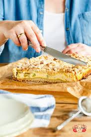 rhabarber käsekuchen mit streuseln