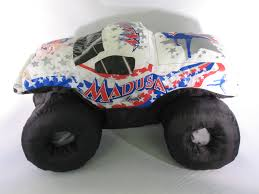 100 Madusa Monster Truck Toy MADUSA Jam Auto Signed Plush Puff White 2002