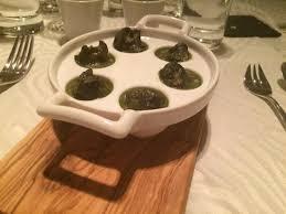 pot au feu prague snails in herb butter obrázek zařízení pot au feu praha