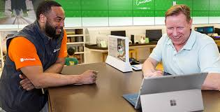 Entry Level Help Desk Jobs Toronto by Microsoft Store Yorkdale Shopping Centre Toronto On