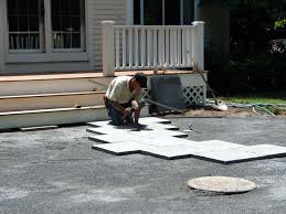 Rubber For Patio Paver Tiles by How To Build A Kidney Shaped Patio And Sitting Wall How Tos Diy