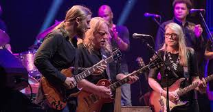 Tedeschi Trucks Band Guitarists Provide A 'Rig Rundown' Tedeschi Trucks Band Keep On Growing Live From The Fox Concert According 2 G Blue Mountain Music Brownbox By Amprx Now In Canada Guitar Player Rigs Of The Supetars 80 81 Gathering Vibes 2015 Fretboard Journal 34 35 844 Best Big And 18 Wheelers Images On Pinterest Trucks Derek Playing Duane Allmans Guitar Derek Band Amazing Performance Youtube Tonal Bases Defing Perfecting Your Signature Reverb News Layla
