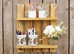 palettenholz regal regal für vasen hobby wandregal aus palette palettenmöbel holz deko holzregal