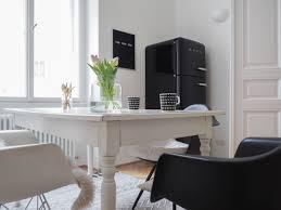 more black schwarze vitra eames chair für die küche