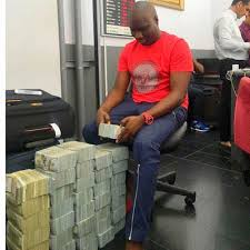 bureau de changes lagos big boy owner of mompha bureau de change ismaila flaunts