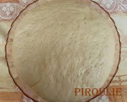 pate a pizza maison pâte à pizza maison et sauce tomate au poivron pâtisseries et