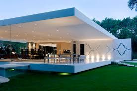 100 Define Glass House The Pavilion An Ultramodern House By Steve Hermann