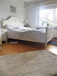 endlich eine schwarze wand im schlafzimmer