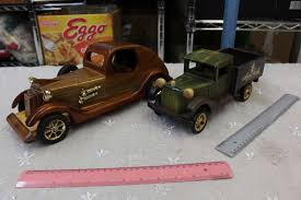 100 Vintage Trucks Wooden ToyModel 2