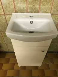neu waschbecken mit unterschrank cersanit