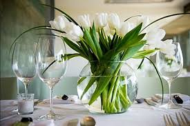 tulip as centerpiece ideas dining table home interiors