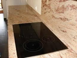 plaque granit cuisine granit pour plan de travail cuisine plan de travail cuisine