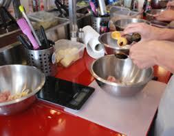 cours de cuisine cook and go j ai testé l atelier de cuisine du monde kitchen trotter x cook