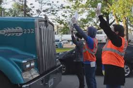 Chicago Slaughterhouse Protesters Jump In Front Of Truck – Tandem ...