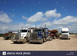 Trucks Waiting Stock Photos & Trucks Waiting Stock Images - Alamy