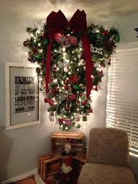 I Am So Going To Hang My Tree Upside Down Great Idea For A Small Room Love That Big Red Bow