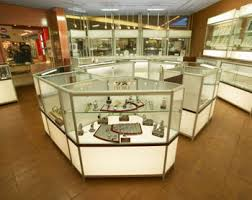 Jewelry Display Cases Custom Glass Wall Museum