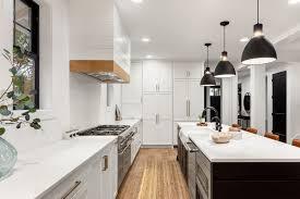 kücheninsel beleuchtung ideen und tipps le magazin