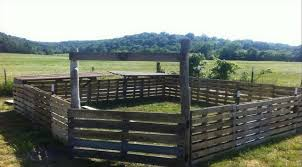 This Pallet Fence Would Be Great For Pigs Or Even Goats It Is Movable And Reusable