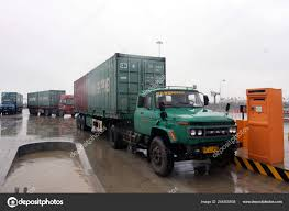 100 Southwest Truck And Trailer S Containers Seen Qinzhou Bonded Port Area Qinzhou City