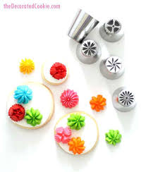 Decorating Tips How To Use Flower For Cakes Cookies Or Cupcakes Wilton