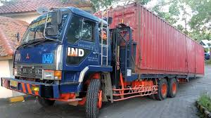 100 Self Moving Trucks Fuso Loader Truck 40 Feet Shipping Container
