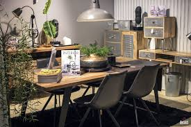 Modern Rustic Dining Room Ideas by Modern Rustic Dining Room Dark Wooden Table White Chairs Black