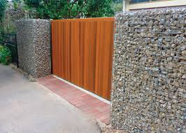 100 Gabion House Baskets Walls Fences And Cages Stone Decorative