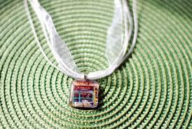 diy photo pendants not quite amish