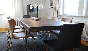 designmöbel in einer austellung sitzmöbel bis zur