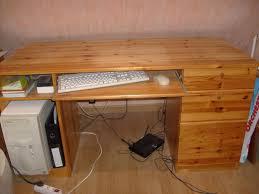 bureau pin miel bureau ikea en pin massif couleur miel ameublement maison