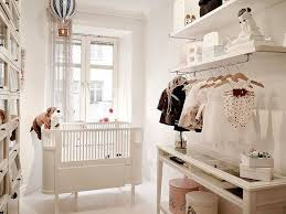 ambiance chambre bébé fille chambre enfant chambre bebe fille lit pelouches déco chambre bébé