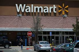 100 Hiring Truck Drivers Walmart Is Increasing Pay To Almost 90000And They