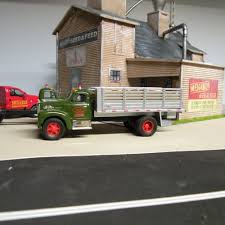 Menards Seed & Feed Building | O Gauge Railroading On Line Forum Menards Gold Line Collection Mtn Dew Beverage Truck Diecast Review Toyota Paul Menard Moen Replica By Nathan Bellaire 2018 Nascar Camping World Series Paint Schemes Team 88 Menards Ford F 150 Pickup Truck With Load Of Quikrete 143 O Scale 148 Denver Diecast Isuzu Jacks Delivery Box New In Preorder 2017 Matt Crafton Eldora Raced Win 124 Ho Amazoncom Penske Toys Games Mth Lionel Us Army Flatcar Pickup Truck Military Hobbies Freight Cars Find Products Online At Set 3 Trucks Gauge Train Layout Nib 15772820 Santa Fe Transporter Hauler Freightliner Cascadia Race