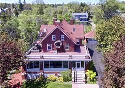 The Firelight Inn on Oregon Creek Bed & Breakfast Inn For Sale